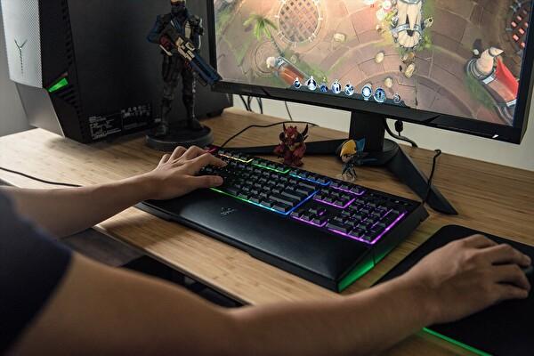 Razer Ornata Chroma Tr Gaming Klavye (Rz03-02040900-R3L)