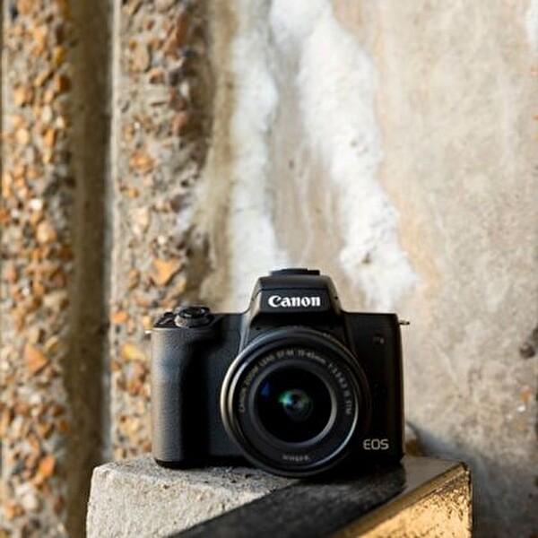 Canon EOS M50 15-45mm IS STM Siyah Dijital Fotoğraf Makinesi