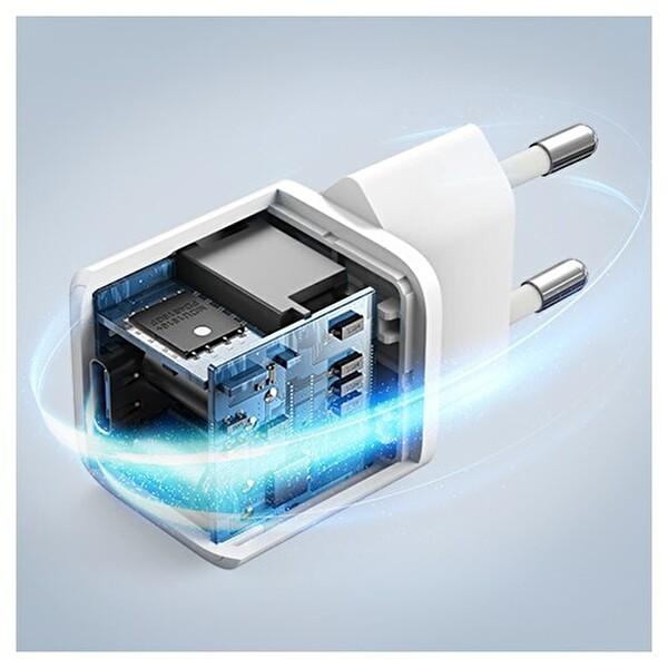 Anker PowerPort III Nano A2633 20W USB-C Hızlı Şarj Cihazı